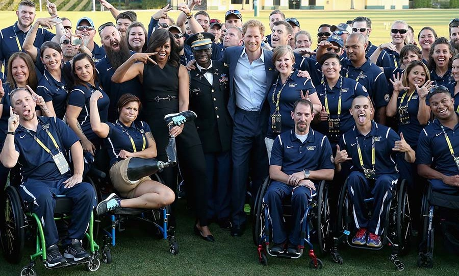 Harry and Michelle met with the US team before kicking off the Invictus Games. 