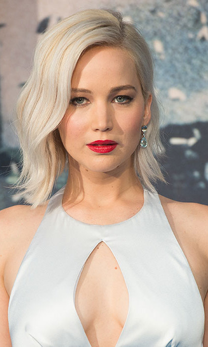 <b>Jennifer Lawrence</b> floored fans as she arrived for a screening of X-Men: Apocalypse, opting for an eye-catching matte red lipstick for classic red carpet beauty.
