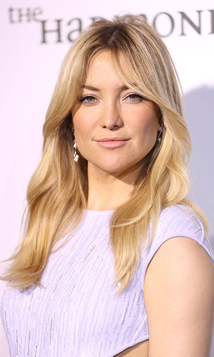Kate Hudson was the epitome of elegance with her blonde tresses left in loose tousled waves, matching her pale pink lipstick to her eyeshadow for a soft and pretty look.