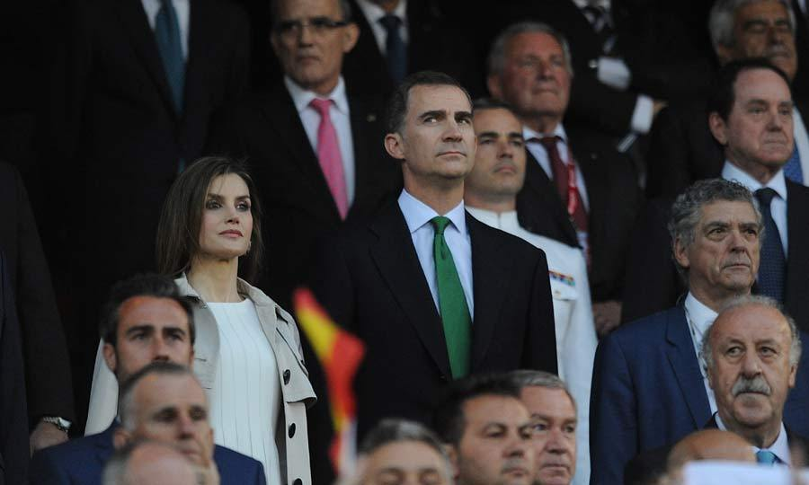 Sports fans King Felipe and Queen Letizia of Spain watched on as Barcelona beat Seville to take home the Copa del Rey trophy, at the Vicente Calderon Stadium in Madrid.