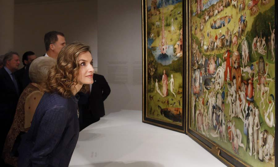 Taken by the beauty of 'The Garden of Earthly Delights' by Hieronymus Bosch, Queen Letizia of Spain leaned in for a closer look at the picture, during her visit to the Prado mesuem to see the pieces selected for the 'El Bosco' 5th Centenary Anniversary Exhibition.