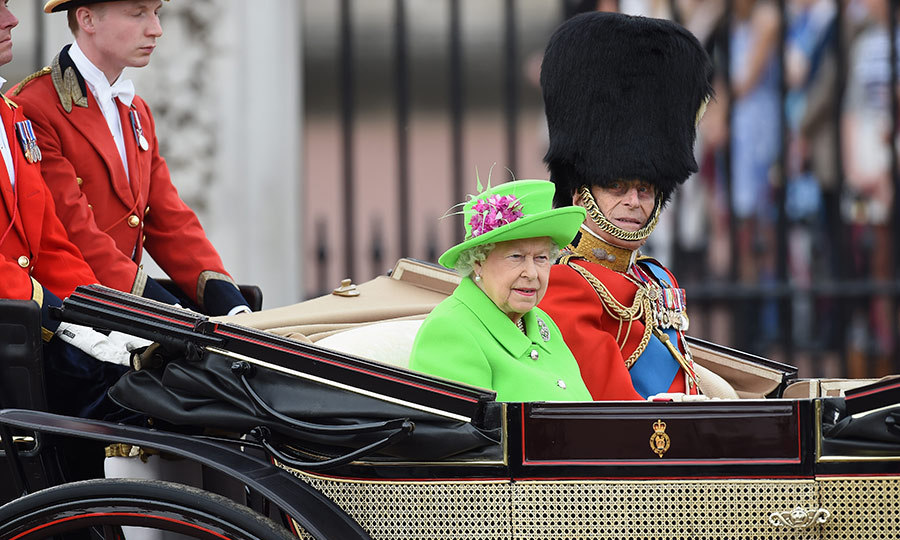 Queen Elizabeth thrilled royal fans by wearing a vibrant green Stewart Parvin outfit. The bold choice came as a shock as the monarch is known to favor pastel colors.