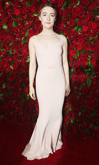 Saoirse Ronan kept it simple in a blush tone dress with a small cutout at the center.  