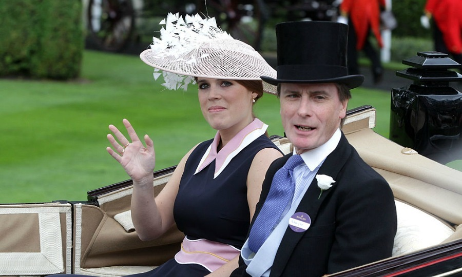 Princess Eugenie looked lovely in a peter pan collared dress as she rolled into the event's third day of races in an open carriage.
