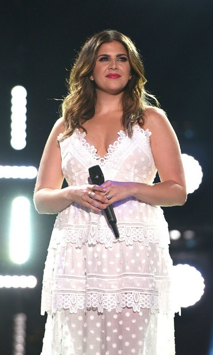 Lady antebellum 39 s hillary scott shares tearful story of for Lady antebellum miscarriage how far along