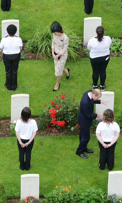 "The couple chatted with young people after laying wreaths during the service. Chatting with teenagers, Kate said the experience had been ""very moving.""