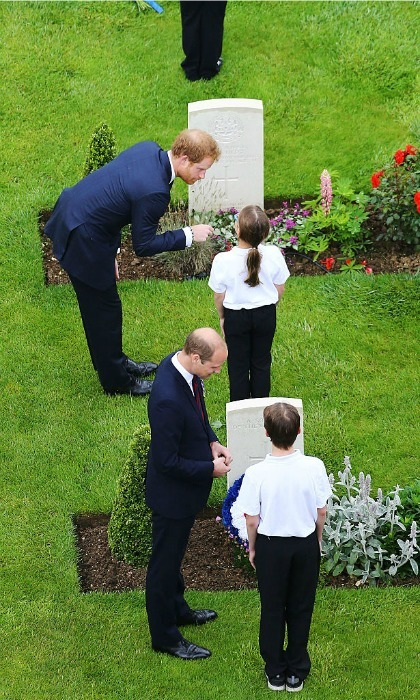 The Royal party met 24 of the 600 UK, Irish and French schoolchildren. The young people were taking part in the commemorations as part of a wider Anglo­-French Somme educational program organized by the British Council.