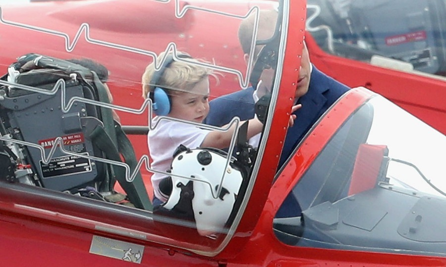 The Prince got up close and personal with dad inspecting a Red Arrow aircraft.