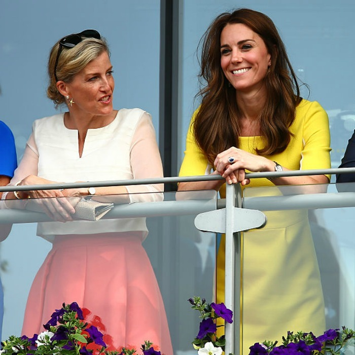 "<a href=""https://us.hellomagazine.com/tags/1/Sophie-Wessex/""><strong>Sophie Wessex</strong></a> and <a href=""https://us.hellomagazine.com/tags/1/kate-middleton/""><strong>Kate Middleton</strong></a> had a colorful girls day at the Wimbledon Lawn Tennis Championships.