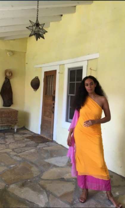 <b>Solange</b>