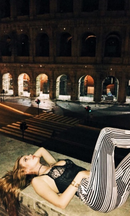 "<b><a href=""https://us.hellomagazine.com/tags/1/bella-thorne/""><strong>Bella Thorne</strong></a></b>