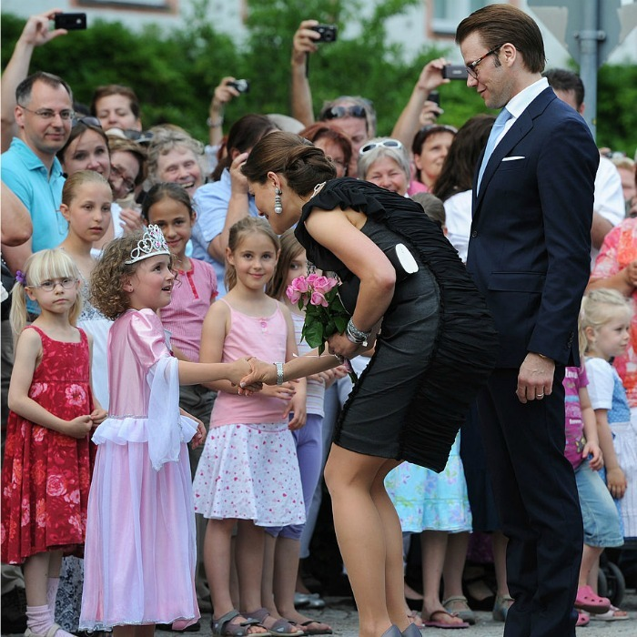 From one princess to another, a little girl in Southern Germany dressed up in her own royal ensemble (tiara included) to meet Crown Princess Victoria and Prince Daniel.