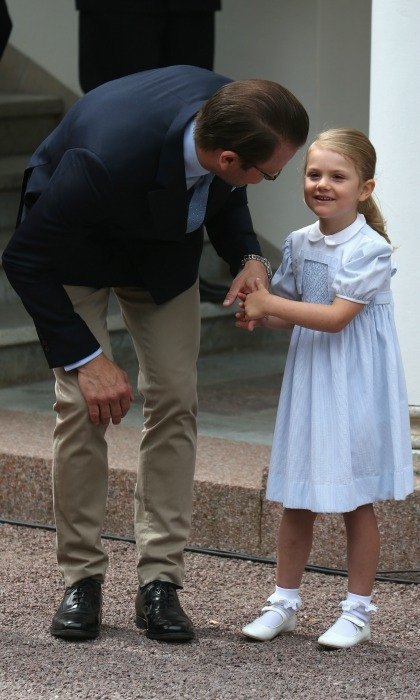 Princess Estelle stayed close to her father during the celebration, latching on to him while Prince Oscar spent time with Princess Victoria. 