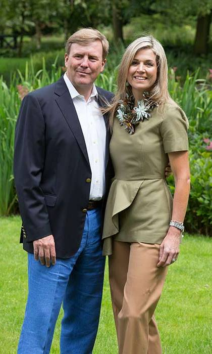 Queen Maxima wore a khaki peplum top and statement necklace for the Dutch royal family photocall.