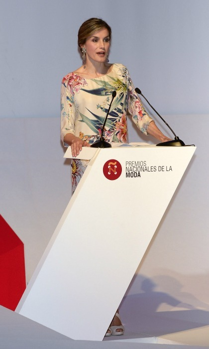 "<a href=""https://us.hellomagazine.com/tags/1/queen-letizia/""><strong>Queen Letizia</strong></a>was right at home at the National Fashion Awards in Madrid. Spain's stylish queen looked fabulous in a floral dress while she presented awards to some of the country's biggest names in fashion at the Museo del Traje.