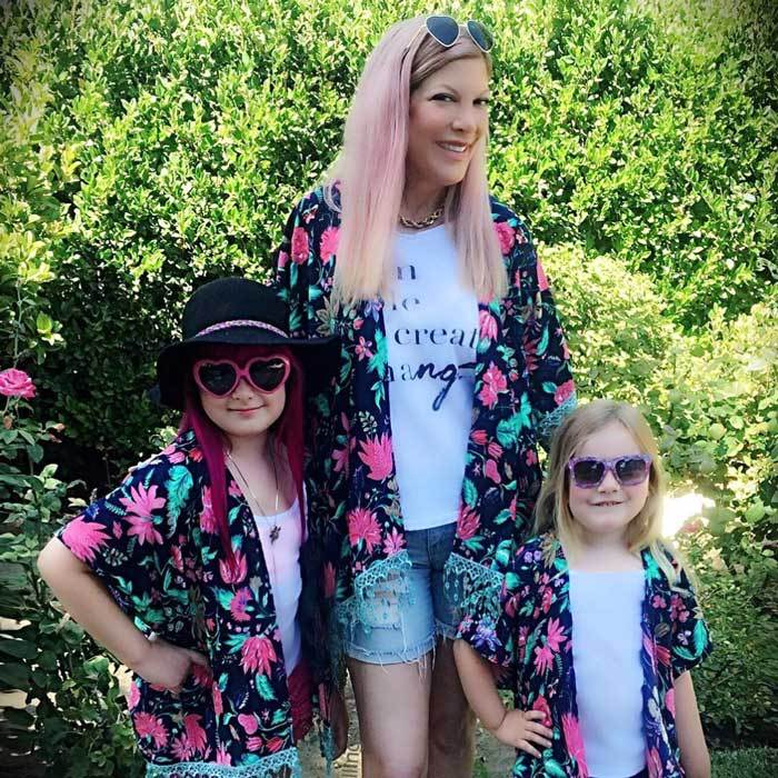 "<b><a href=""https://us.hellomagazine.com/tags/1/tori-spelling/""><strong>Tori Spelling</strong></a>, Stella and Hattie McDermott</b>