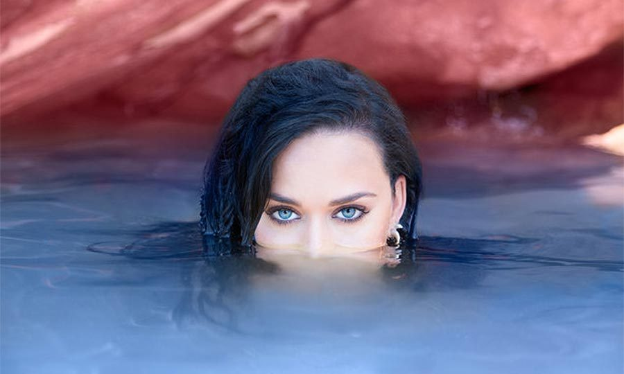"<b><a href=""https://us.hellomagazine.com/tags/1/katy-perry"" target=""_blank""><strong>Katy Perry</strong></a>'s inspirational song <I>Rise</I></b>