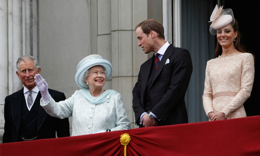 With Prince Charles and Kate Middleton by their sides, Queen Elizabeth and Prince William shared a moment during the finale of the Queen's Diamond Jubilee celebrations at Buckingham Palace. 
