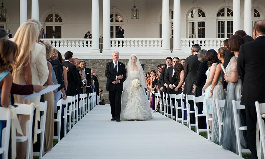 On July 31, 2010, surrounded by 400 friends and family, the former first daughter was walked down the aisle by her emotional father Bill Clinton, in Rhinebeck, New York.
