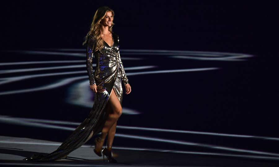 <b>Gisele Bündchen struts her stuff</b>