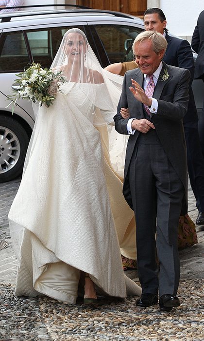 The daughter of the Duke of Wellington arrived at the church with her father to exchange vows with her fiancé Alejandro, a tycoon with a net worth of around $3.9 billion.
