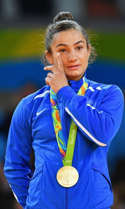 <b>Majlinda Kelmendi's tears as she brings home Kosovo's first gold</b>