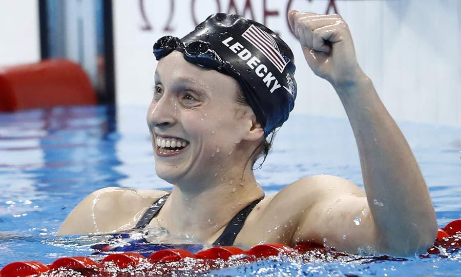 <b>Katie Ledecky smashes her 800m fresstyle world record</b>