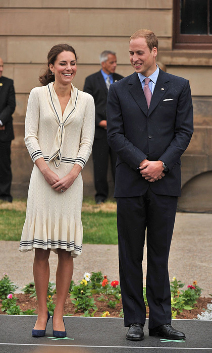 The Duke and Duchess of Cambridge came down with a case of the giggles, while visiting the Province House during their royal tour of Canada.  
