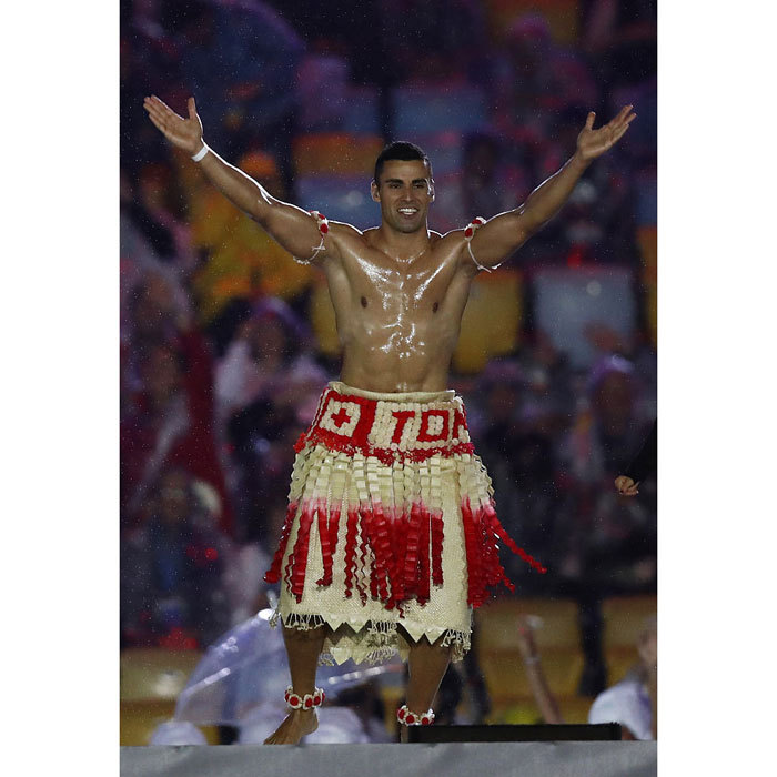<b>The Tonga flag bearer returns</b>