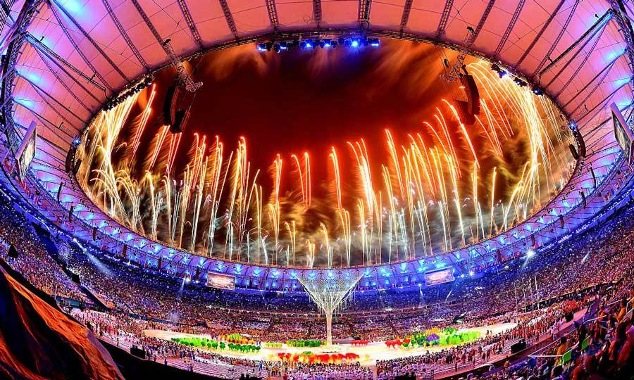 <b>A spectacular end</b>