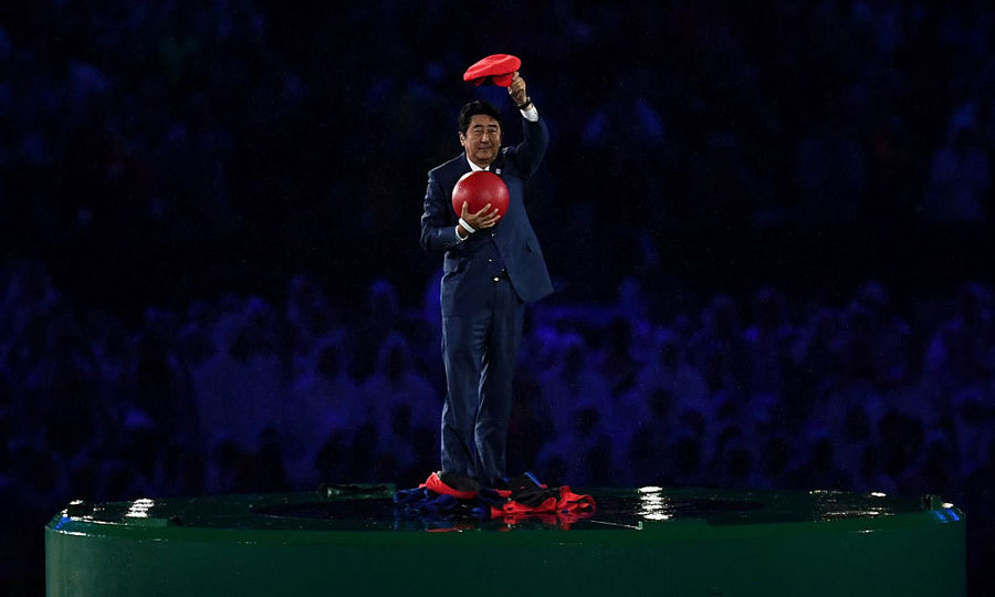<b>A <i>super</i> preview</b>