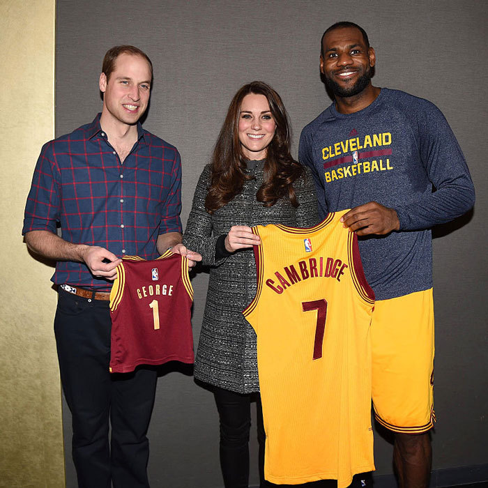 "Team Cambridge! LeBron James presented <a href=""https://us.hellomagazine.com/tags/1/prince-william/""><strong>Prince William</strong></a> and <a href=""https://us.hellomagazine.com/tags/1/kate-middleton/""><strong>Kate Middleton</strong></a> with a personalized Cleveland Cavaliers jersey and a pint-sized one for their son <a href=""https://us.hellomagazine.com/tags/1/prince-george/""><strong>Prince George</strong></a>, during the royal couple's visit to Brooklyn for their first NBA game.