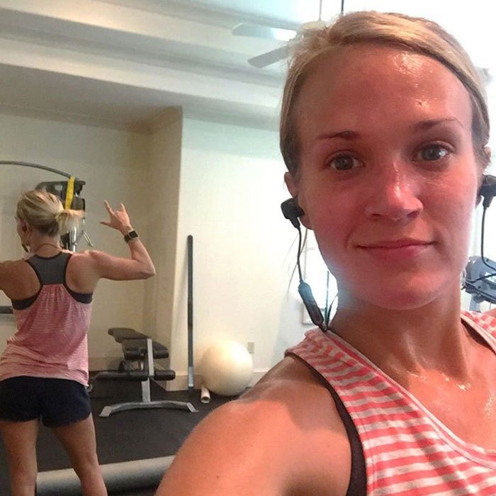 "<a href=""https://us.hellomagazine.com/tags/1/carrie-underwood/""><strong>Carrie Underwood</strong></a> showed us her workout face – and enviable form! – in this gym selfie.