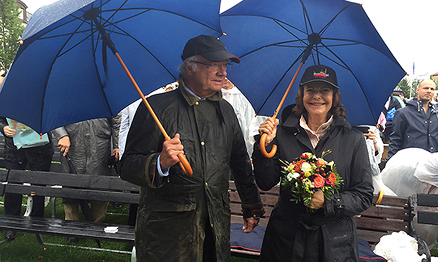 Crowds – and plenty of rain – turned out for King Carl Gustaf and Queen Silvia of Sweden as they helped Borgholm celebrate its 200th anniversary. 