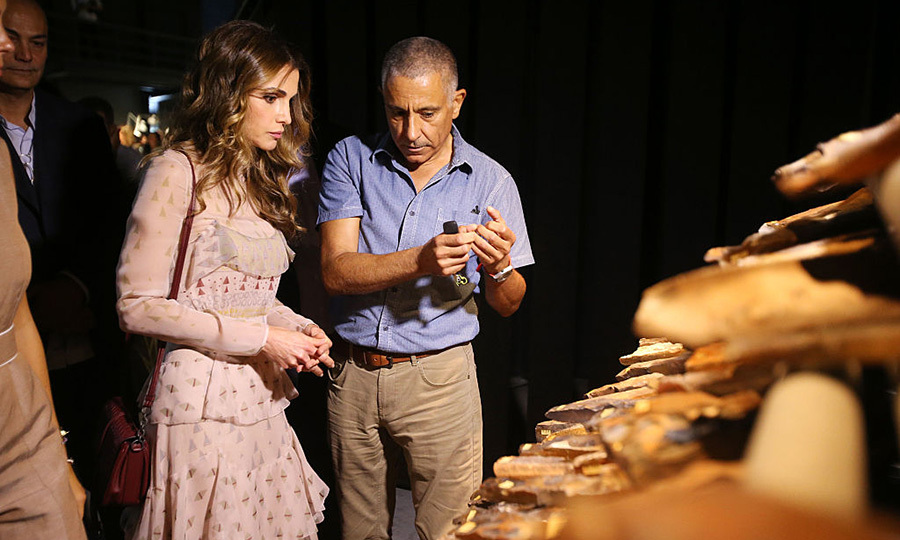 Queen Rania Al Abdullah of Jordan inaugurated the first Amman Design Week at the Ras Al Ain Gallery and Hangar, checking out the works on show and chatting with the designers.