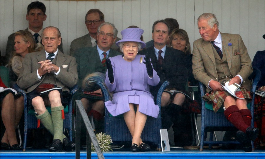 "<a href=""https://us.hellomagazine.com/tags/1/prince-philip/""><strong>Prince Philip</strong></a> and <a href=""https://us.hellomagazine.com/tags/1/prince-charles/""><strong>Prince Charles</strong></a> continued their tradition of wearing the Tartan during the 2016 Braemar Highland games, while <a href=""https://us.hellomagazine.com/tags/1/queen-elizabeth/""><strong>Queen Elizabeth</strong></a> opted for an all-purple attire. 