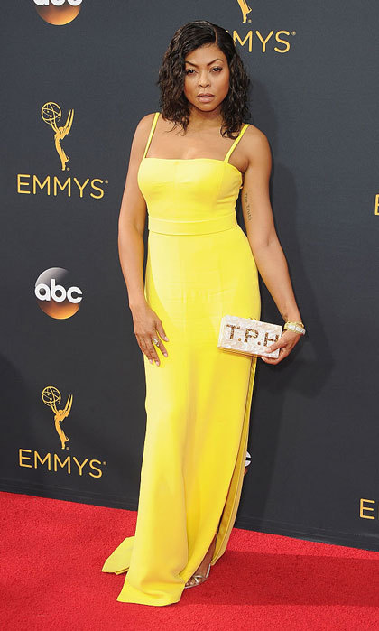 "<a href=""https://us.hellomagazine.com/tags/1/Taraji-P-Henson/""><strong>Taraji P. Henson</strong></a> opted for a vibrant Vera Wang gown that featured a side slit for the 68th Annual Primetime Emmy Awards.