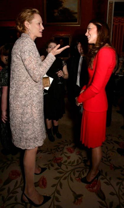 Uma Thurman and Kate seemed like good friends at the Buckingham Palace's Dramatic Arts soiree in February 2014.