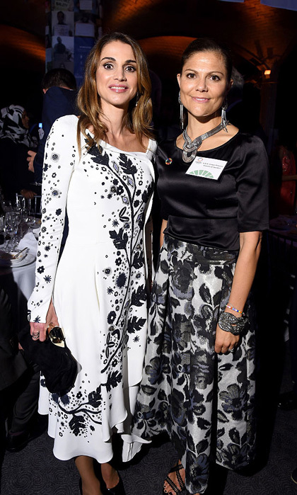 "Royalty collided at the 2016 Global Goals Awards dinner held at Gustavino's. The Jordanian Queen posed for a photo with Sweden's <a href=""https://us.hellomagazine.com/tags/1/crown-princess-victoria/""><strong>Crown Princess Victoria</strong></a> at the New York event.