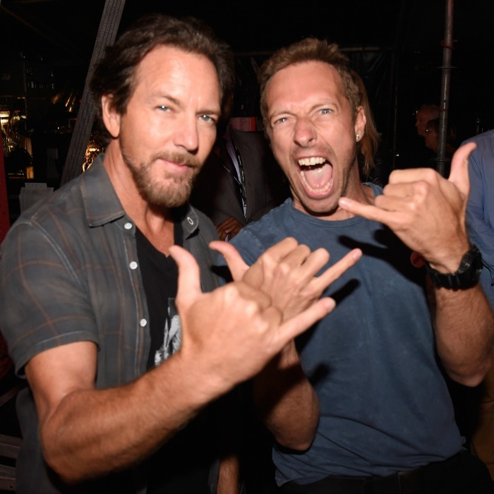 "September 24: Rock on! <a href=""https://us.hellomagazine.com/tags/1/chris-martin/""><strong>Chris Martin</strong></a> and Eddie Vedder posed backstage during the Global Citizen Festival in NYC. 
