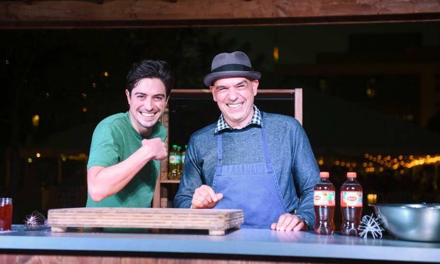 September 24: Now we're cooking! Chef Michael Symon and actor Ben Feldman partnered with Lipton to host their  first Chef Fest dining event in Washington, D.C. To help kick off the event, the pair showed the crowd how to make Twice Fried Chicken.