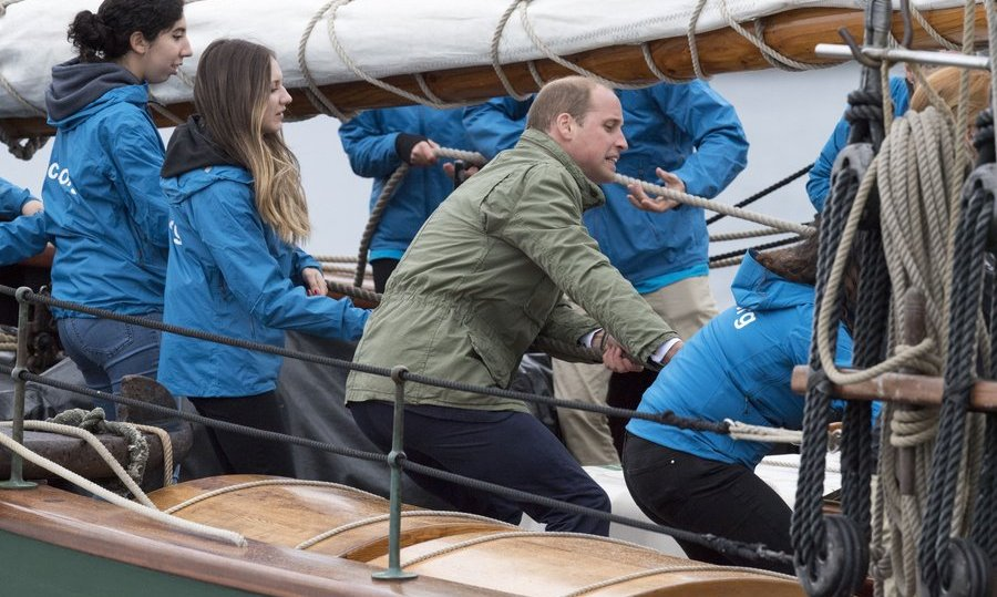 The Duke of Cambridge also did his part while on board, getting his hands dirty alongside the crew. 