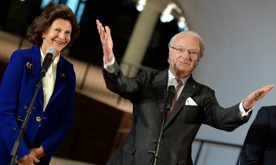 A round of applause for King Carl Gustaf of Sweden and Queen Slivia as they held a press conference at  Elbphilharmonie concert hall in Hamburg, Germany. 