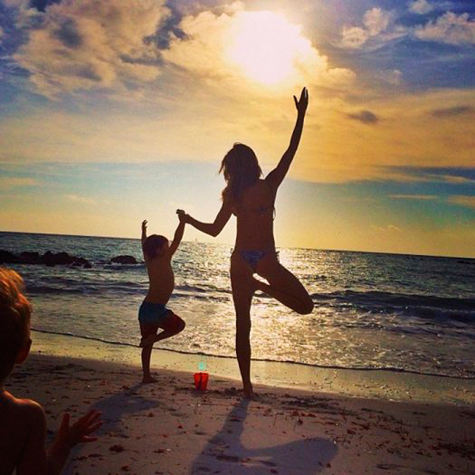"Brazilian supermodel <a href=""https://us.hellomagazine.com/tags/1/giselle-bündchen/""><strong>Gisele Bündchen</strong></a> included her son Benjamin in a sunset yoga session.