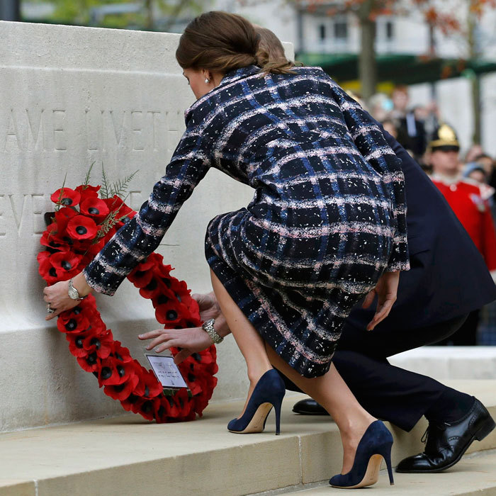 Prince George's parents they took part in a ceremony at the Cenotaph, laying a wreath to honor Manchester's six Victoria Cross recipients as part of the First World War Centenary campaign. 