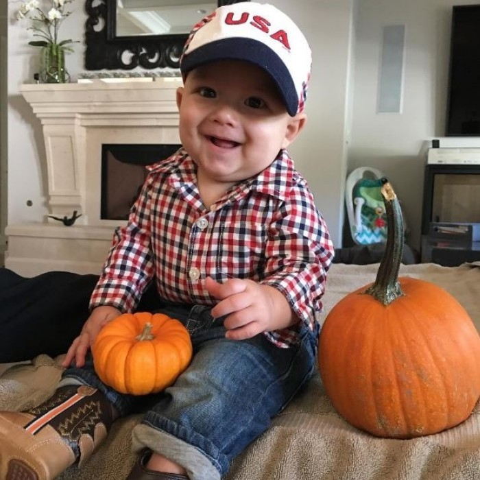 "Boomer Phelps is the cutest pumpkin around! Attached to the photo, it read, ""Just getting ready for Halloween!!!!!""