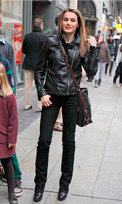 Queen Letizia loves leather jackets, and this one is another to add to the collection. She wore this ensemble for running errands on the streets of Madrid. 