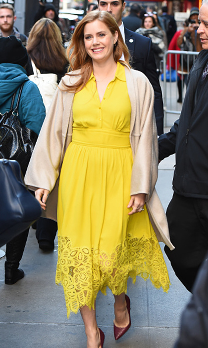"<a href=""https://us.hellomagazine.com/tags/1/amy-adams/""><strong>Amy Adams</strong></a> wore a striking shirt dress with a lace hem for her appearance on <I>Good Morning America</I>.