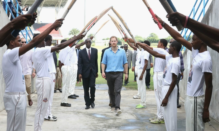 Harry, alongside Antigua and Barbuda's sports minister Colin James, received a guard of honor, formed by cricket bats as they left the Sir Vivian Richards Stadium. 