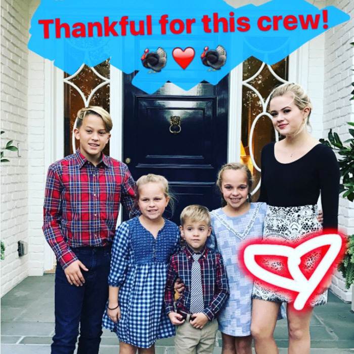 "Reese Witherspoon shared this picture of her 'crew': ""So thankful for these sweet kids in my life ! They make me laugh and smile everyday. I feel grateful for every moment I get to be with them. 旅❤️#thanksgiving2016""